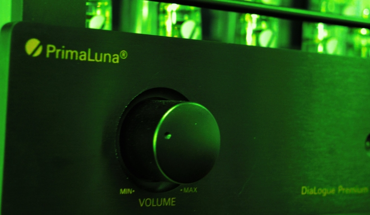 A Sophisticated Power-House Of Pure Analogue - PrimaLuna DiaLogue Premium HP Integrated Amplifier