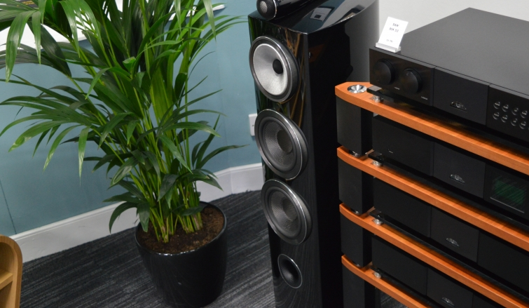 Bowers & Wilkins 804 D3 - Traditional Tower Speakers Have A New Standard